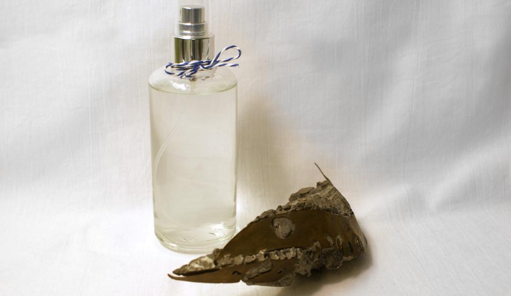 Lavendel-Frischespray für Bad oder Wäscheschrank.